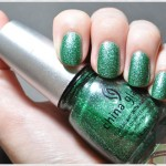 Mistletoe Kisses – China Glaze